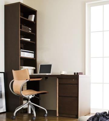カリモク家具の学習机の画像