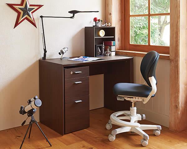 オカムラの学習机の画像